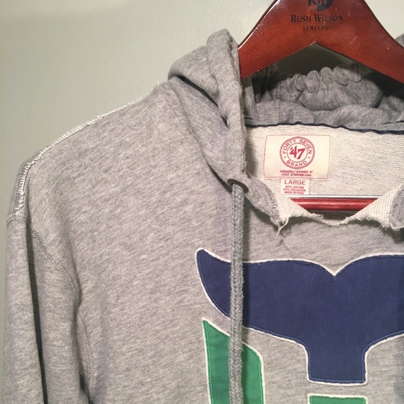 a222f9e6e forty seven brand Other - Hartford Whalers Hoodie